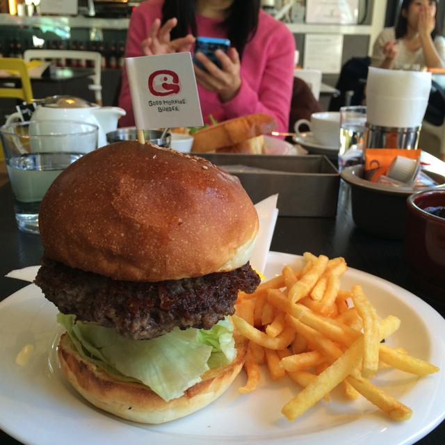 【港区虎ノ門】グッドモーニングカフェ&グリルでグッドモーニングバーガープレートを食べてきた!