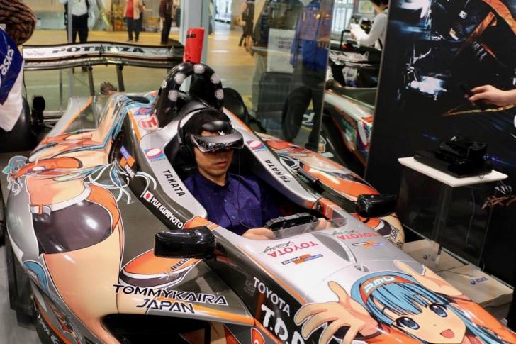 京急品川駅の期間限定「アシックスステーションストア品川」でスーパーフォーミュラを乗車体験!ピットを支えるワーキングシューズとは?