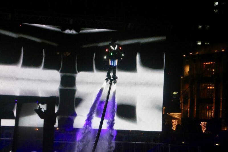 夜のショー「ポケモンシンクロニシティ」