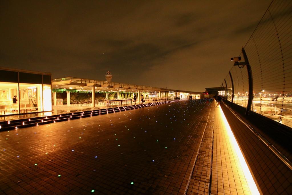 羽田空港内を夜さんぽ