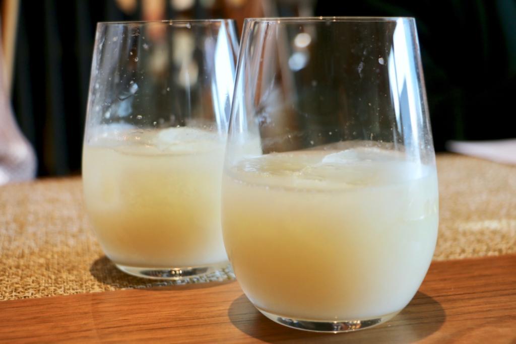 八海山で作った甘酒を合わせた発酵ドリンク
