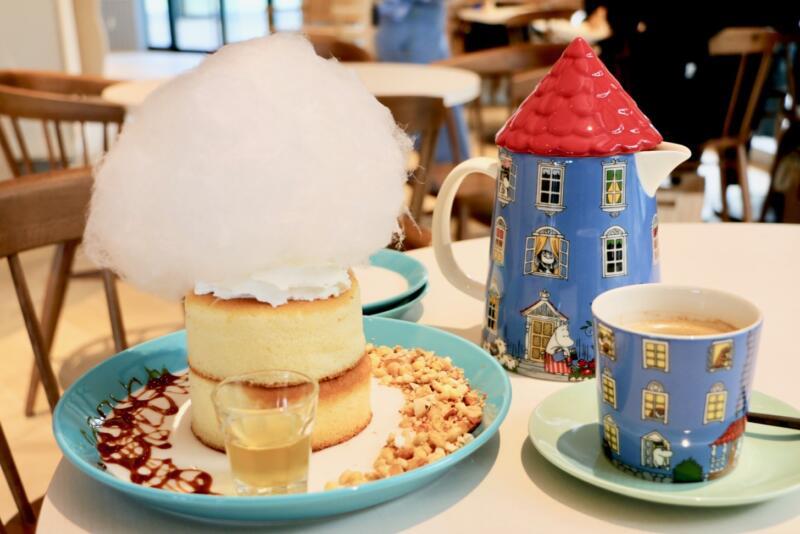 雲とコットンキャンディーパンケーキ、コーヒーのポッドとマグカップがかわいい