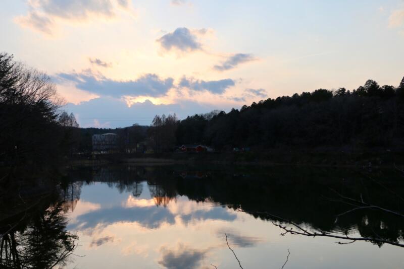 夕暮れの宮沢湖畔も素敵