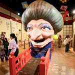 「鈴木敏夫とジブリ展」が神田明神で開催!千と千尋の湯婆婆&銭婆の開運・恋愛おみくじを引いてみた