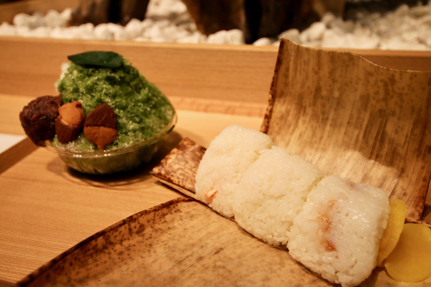 White (haiku) rice ball ※ with tea