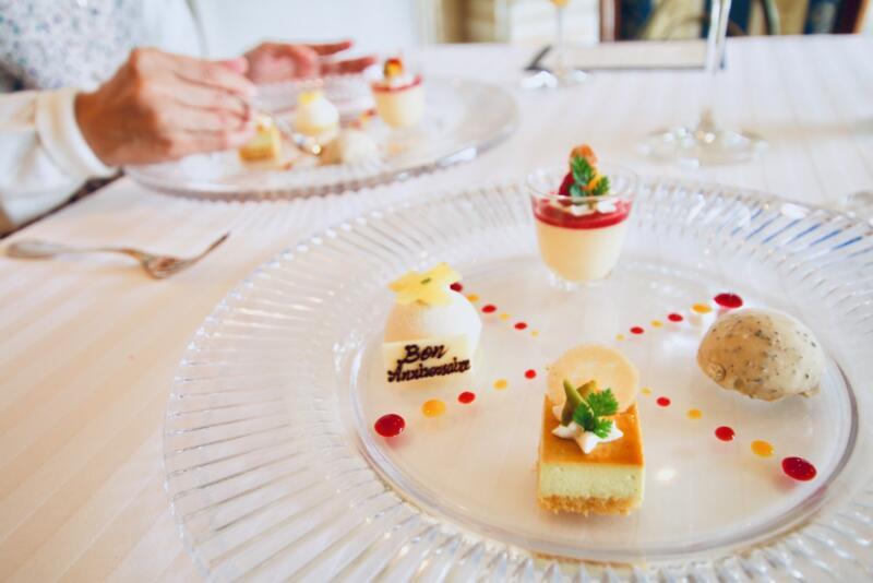 デセール・ヴァリエ 色々なデザートを一皿に盛り合わせて