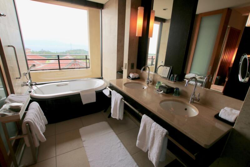 ザ・リッツ・カールトン沖縄 ベイデラックスルーム バスルーム