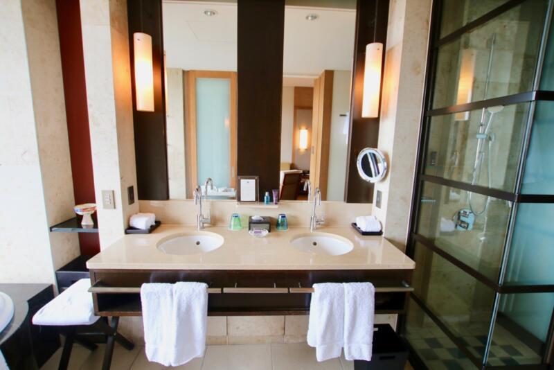 ザ・リッツ・カールトン沖縄 ベイデラックスルーム 洗面台