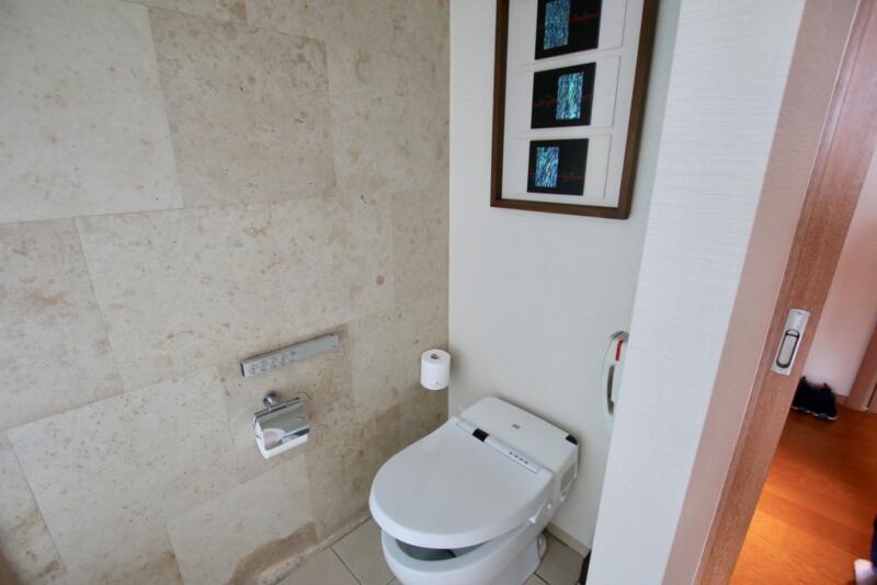 ザ・リッツ・カールトン沖縄 ベイデラックスルーム シャワー付きトイレ