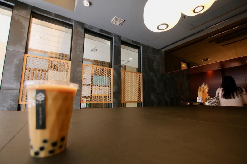 千十一(せんじゅういち)銀座店のイートインスペース