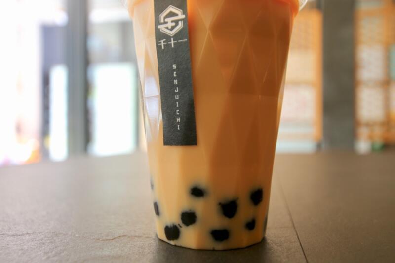千十一(せんじゅういち)銀座店のプアール茶タピオカミルクティー