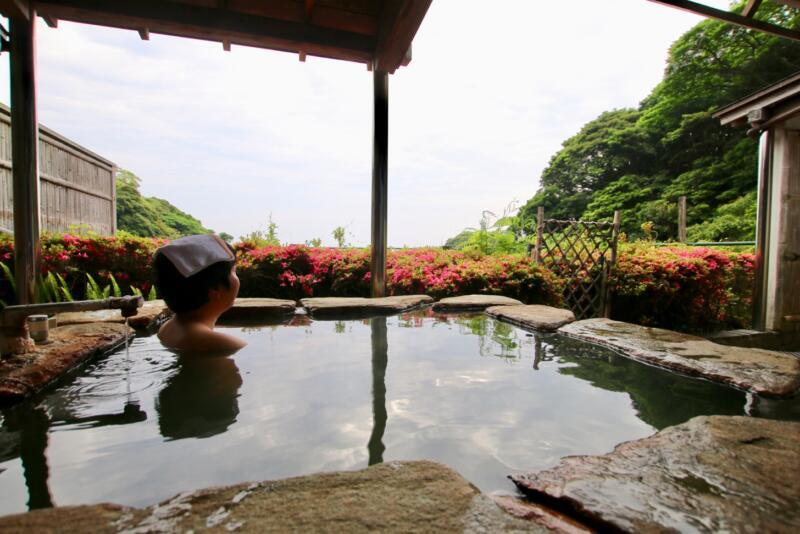 全室源泉かけ流し露天風呂付の宿「いさり火」の露天風呂