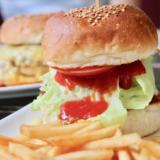 【Okinawa Hamburger】 I've been held by a special burger at Captain Kangaroo Nago