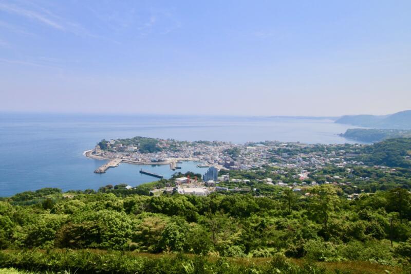 東伊豆カントリークロスコースにある「稲取展望テラス」からの景色