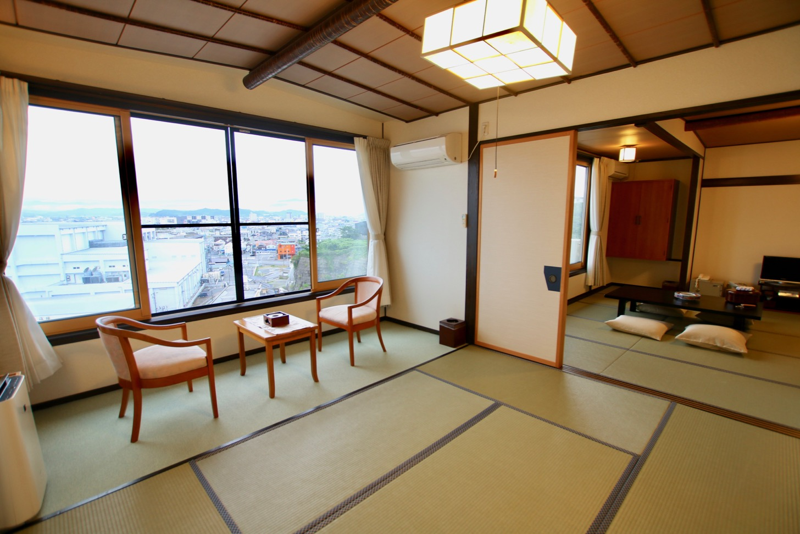 割烹旅館 天地閣の小名浜港を一望できる客室
