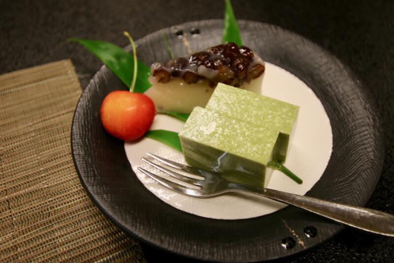 割烹旅館 天地閣のデザートは水菓子とさくらんぼ