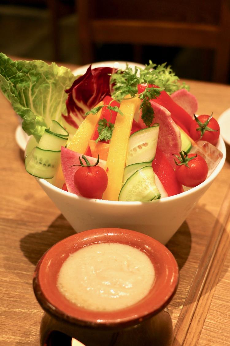 神田の肉バル「RUMP CAP」新宿西口店の酒野菜のバーニャカウダ