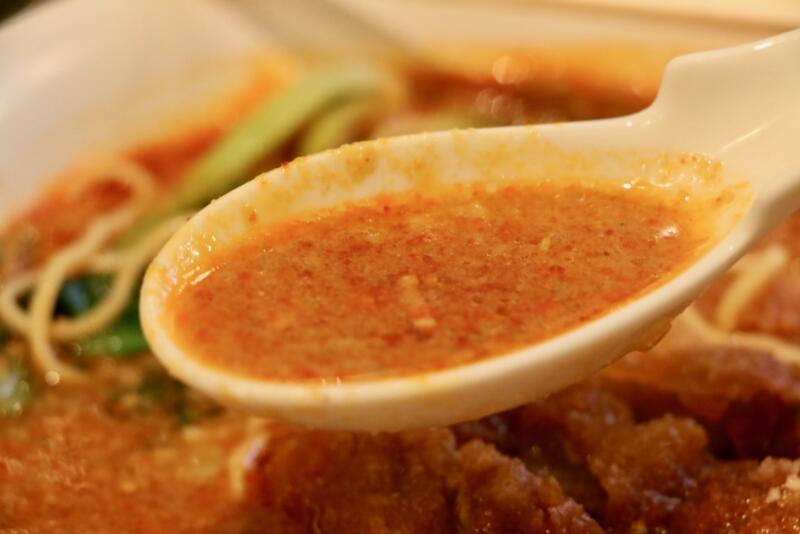 Renge no Gotoku(レンゲ ノ ゴトク)大麦三元豚 排骨担々麺のスープ