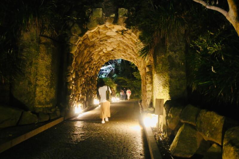 かまくら長谷の灯かり 鎌倉文学館 トンネル