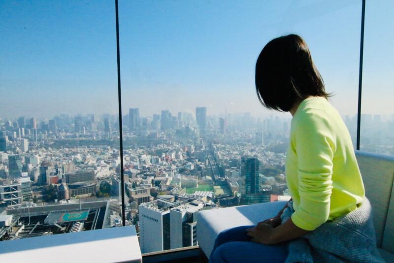 渋谷スクランブルスクエアの展望台・SHIBUYA SKY(渋谷スカイ)ソファー席
