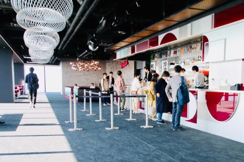 渋谷スクランブルスクエアの展望台・カフェ&バー「Paradise Lounge」