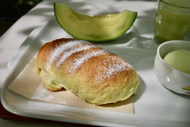 Fruit cafe NiJiのメロンフルコース メロンパン