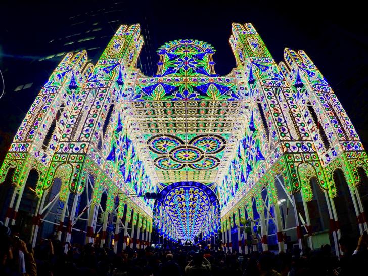第22回神戸ルミナリエを見て来た!神戸市役所からは夜景と一緒に楽しめる!