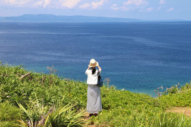 【石垣島】最西端にそびえる石垣御神崎灯台からの絶景