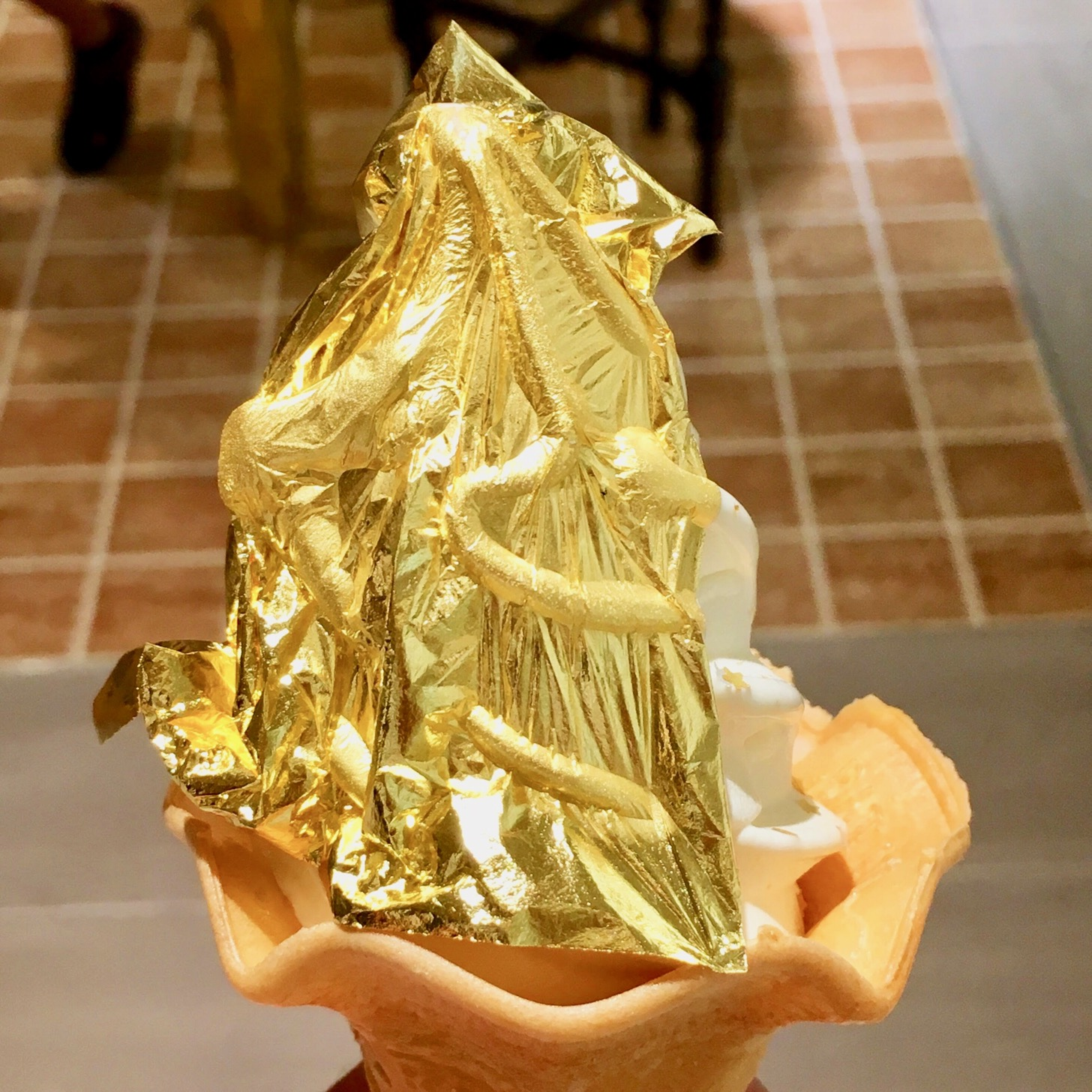 [Gold Foil Soft Cream entered Tokyo for the first time] I ate it for a limited time at Ginza Six