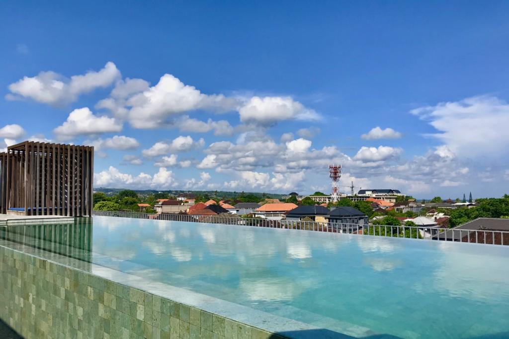 ウォーターマーク ホテル&スパ バリ ジンバラン 屋上プール