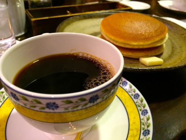 【江ノ電江の島】「備屋珈琲店 湘南江の島店」で自家焙煎コーヒーとホットケーキを食す