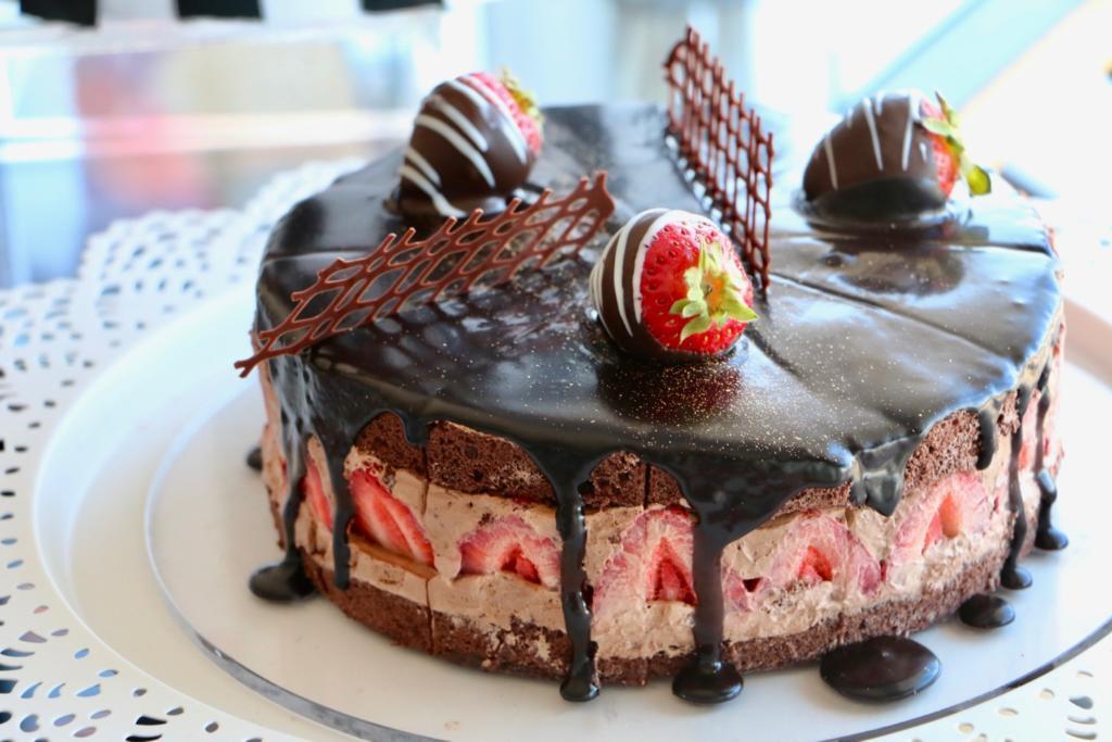 フツウの恋には飽きたわ チョコレート・ストロベリーショートケーキ