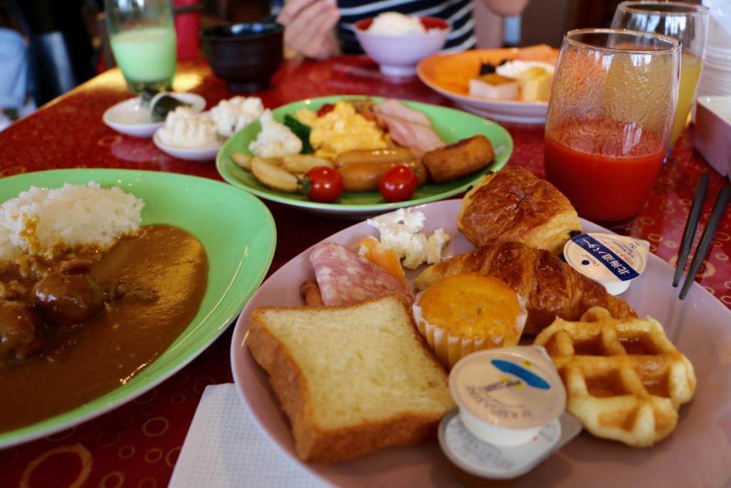 グランカフェで朝からカレーライス