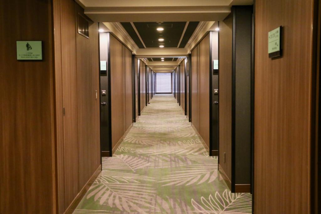 パークウイング棟の廊下