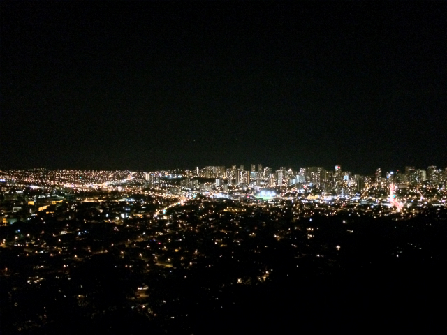 "【Hawaii】 I have seen a spectacular view at the ""Tantalas Hill"" in Honolulu No. 1 night scene spot"