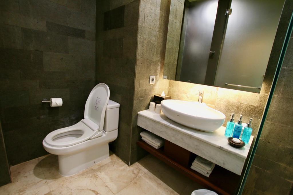ウォーターマーク ホテル&スパ バリ ジンバラン トイレ