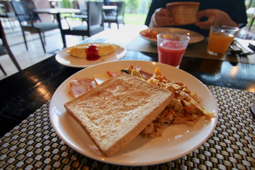 ウォーターマーク ホテル&スパ バリ ジンバラン レストラン 朝食
