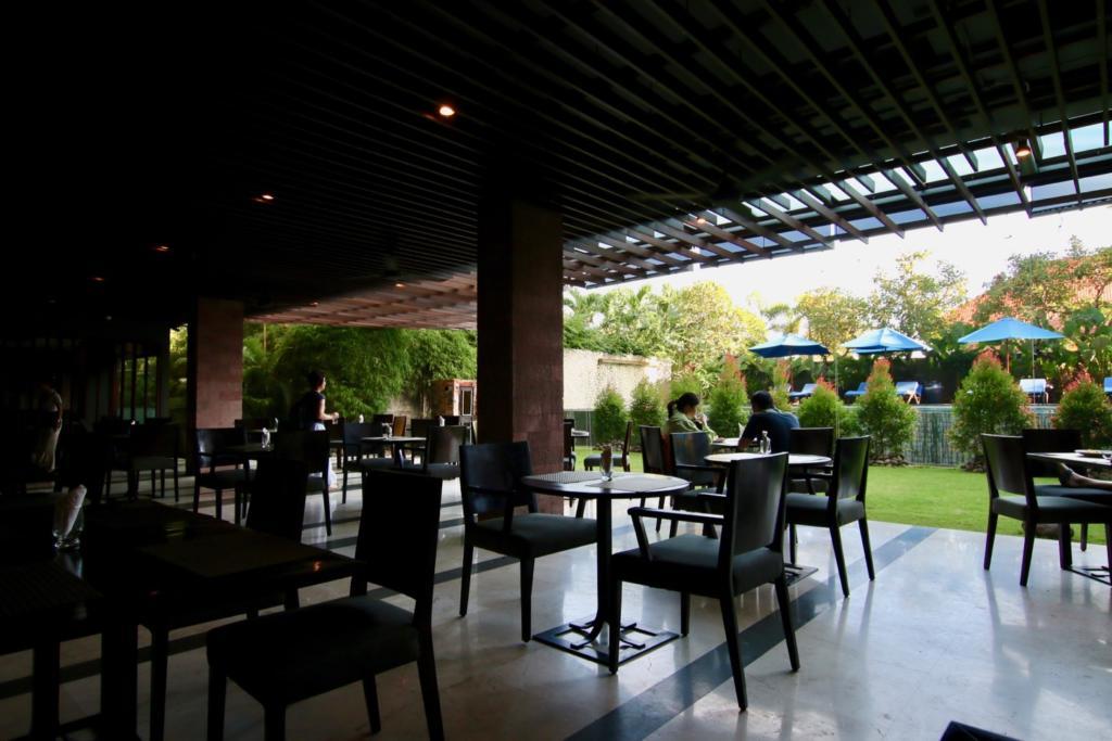 ウォーターマーク ホテル&スパ バリ ジンバラン レストラン