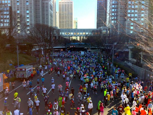【ビギナーランナー向け】東京マラソンでレース中にトイレに行かずにすませる8つの秘訣