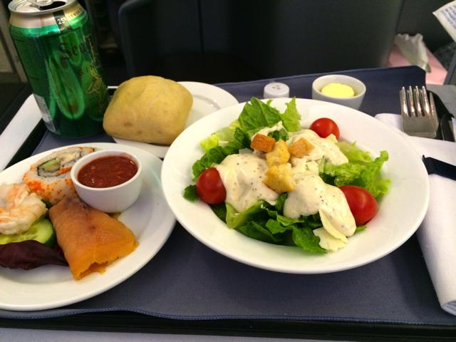 ユナイテッド航空ビジネスクラスのディナー