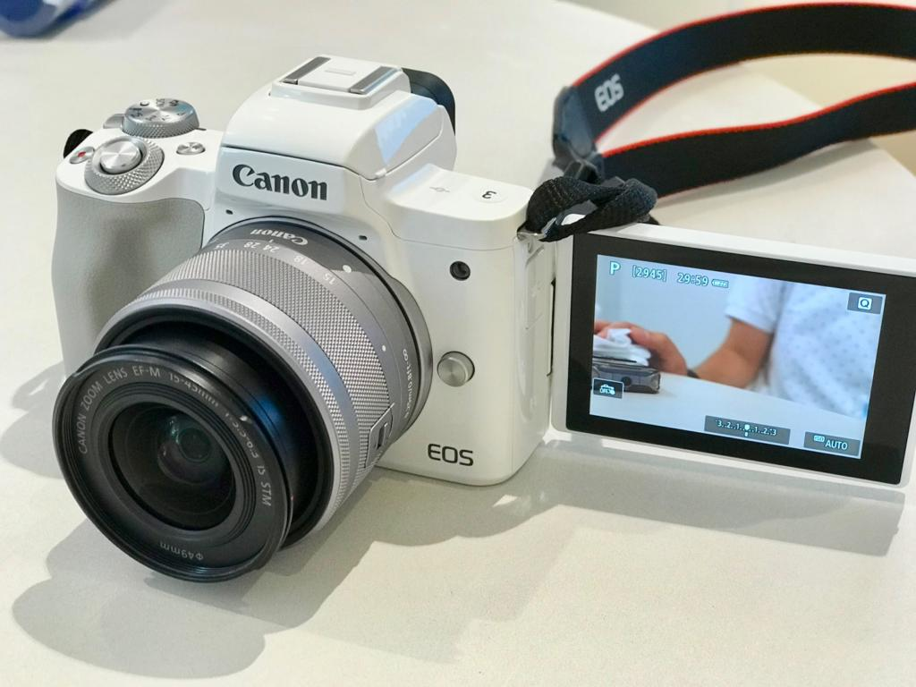 Canon EOS kiss Mのバリアングル液晶モニター