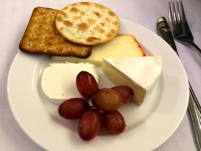 ユナイテッド航空ビジネスクラスのディナー,チーズセレクション
