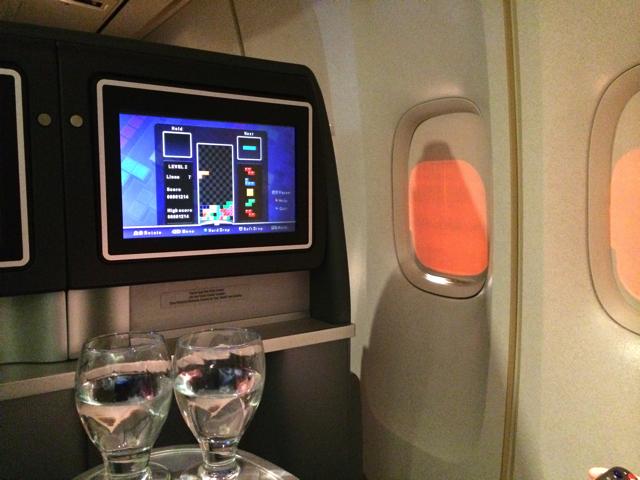 ユナイテッド航空ビジネスクラスでテトリス