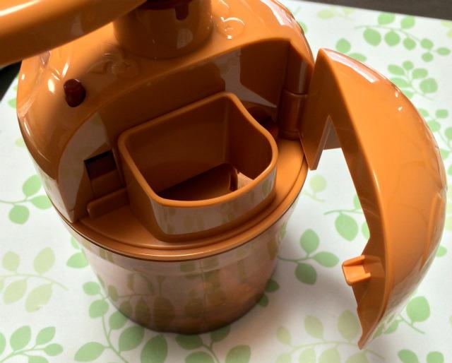 魯山人納豆小鉢 醤油投入口