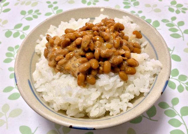 魯山人納豆小鉢の納豆