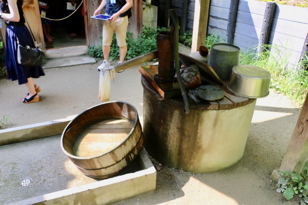 手漕ぎの井戸