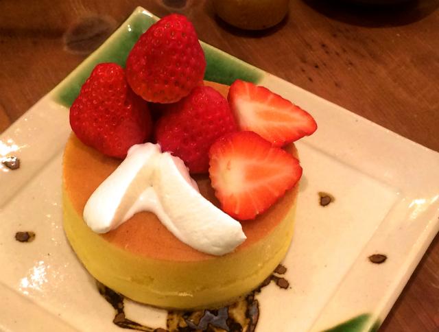 【立川】紅ほっぺ苺のパンケーキとかき氷が同時に食べられる雪ノ下 立川