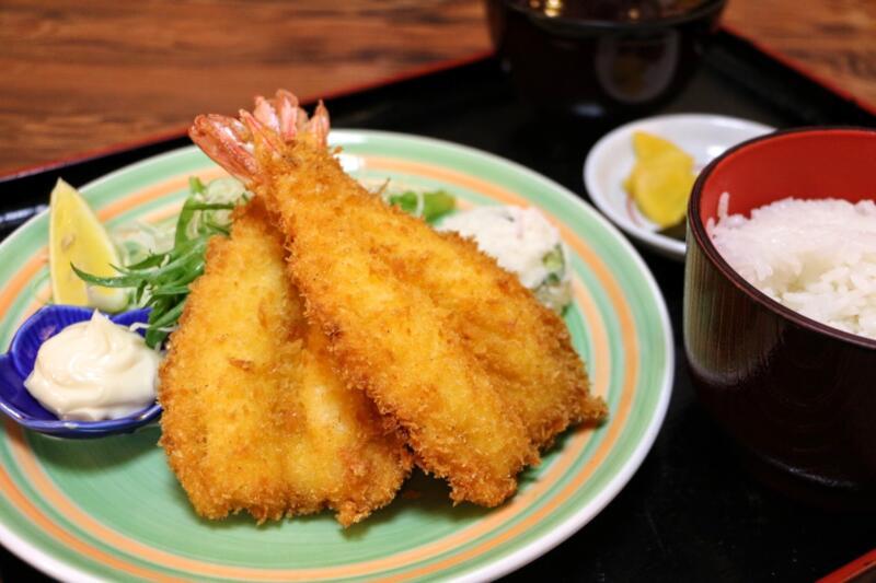 三重県鳥羽市の寿司割烹「大阪屋」で超肉厚!開き海老フライを食す→サクッぷり