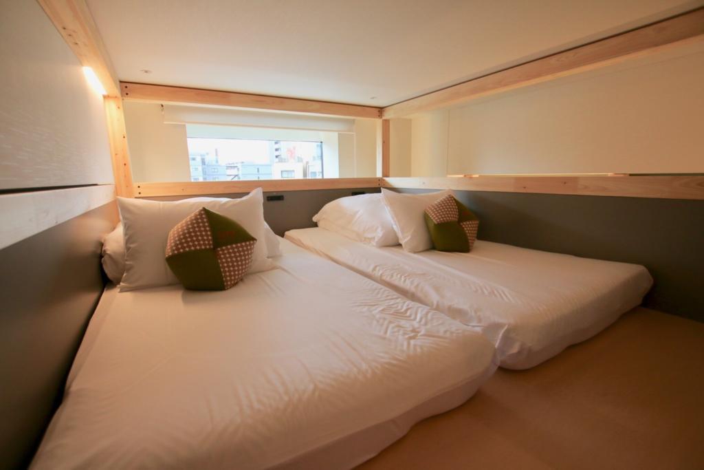 ベッドは2階に