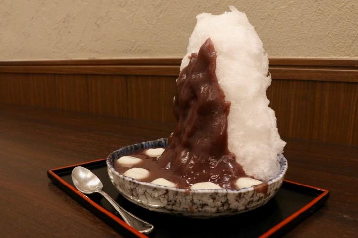 【目白】「志むら」で八ヶ岳の天然氷白玉を食す!甘さ控えのこしあんが美味しい